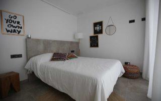 Een slaapkamer op de eerste verdieping van Villa Salvador