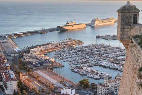 De Costa Blanca kent veel steden: van Valencia helemaal naar Murcia. Steden van formaat en met hun eigen karakters